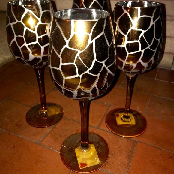 380a6a6d2eb7 Pier One Giraffe Print Wine Glasses. M 5bfe91d3409c152d8bff3696